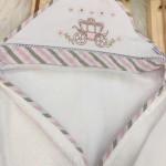 Enxoval- Toalha de banho bordada com capuz- Carruagem Rosa e bege