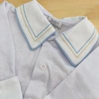 body branco com gola bordado linhas azul bebe e bege