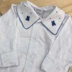 body branco com gola bordado urso pontinhos azul jeans