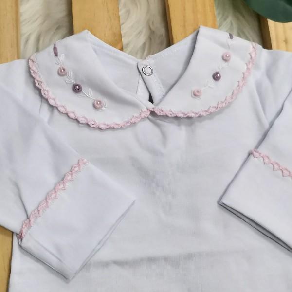 body branco com gola bordada florzinhas rosa e lilás