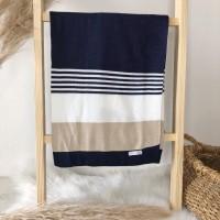 Manta de linha- 3 cores azul marinho, branco e areia