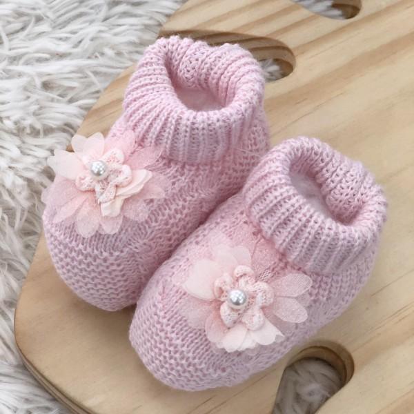 Sapatinho cano alto rosa claro flor com pérola