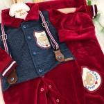 Saída de Maternidade de plush- Suspensório vermelho