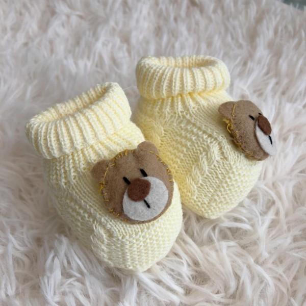 Sapatinho recém nascido de linha- ursinho amarelo