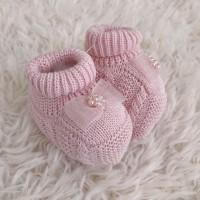 Sapatinho recém nascido de linha- laço cetim rosa
