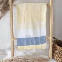 Manta de linha- 3 cores amarela, branco e azul